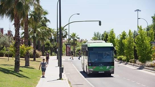 La Comunidad de Madrid recuerda que el uso de la mascarilla sigue siendo obligatorio en todo el transporte público de la región